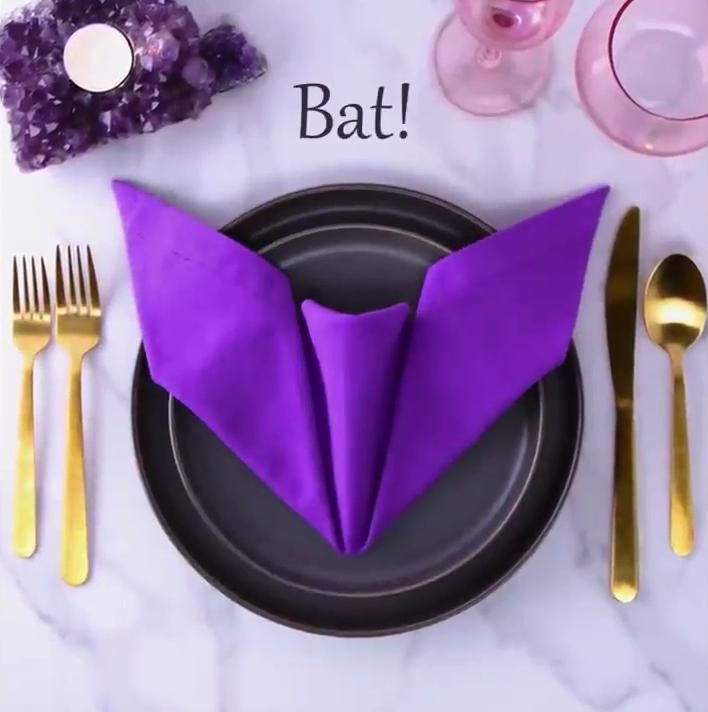 Easy napkin folding ideas for your holiday table