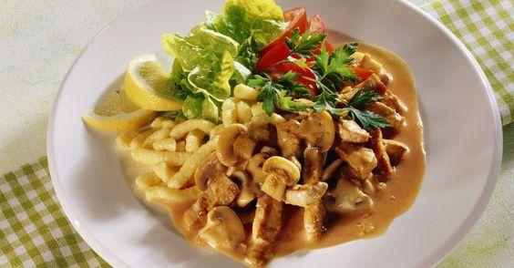 Züricher Geschnetzeltes mit Champignons und Spätzle ist ein Rezept mit frischen Zutaten aus der Kategorie Kalb. Probieren Sie dieses und weitere Rezepte von EAT SMARTER!