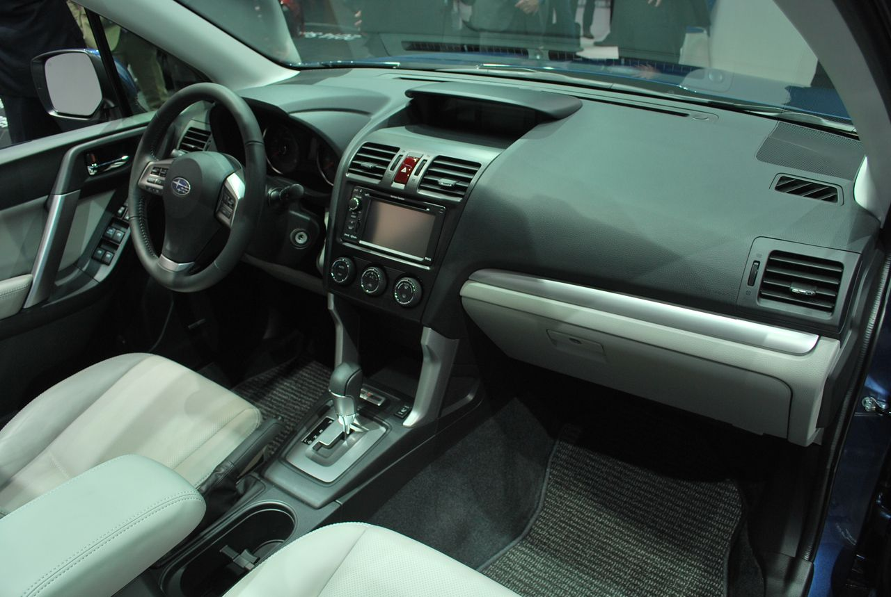 Смелый 2014 Subaru Forester Première voiture, Voiture, Tokyo