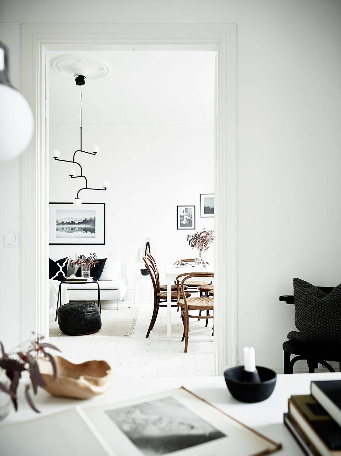 Stylish black and white home via coco lapine design