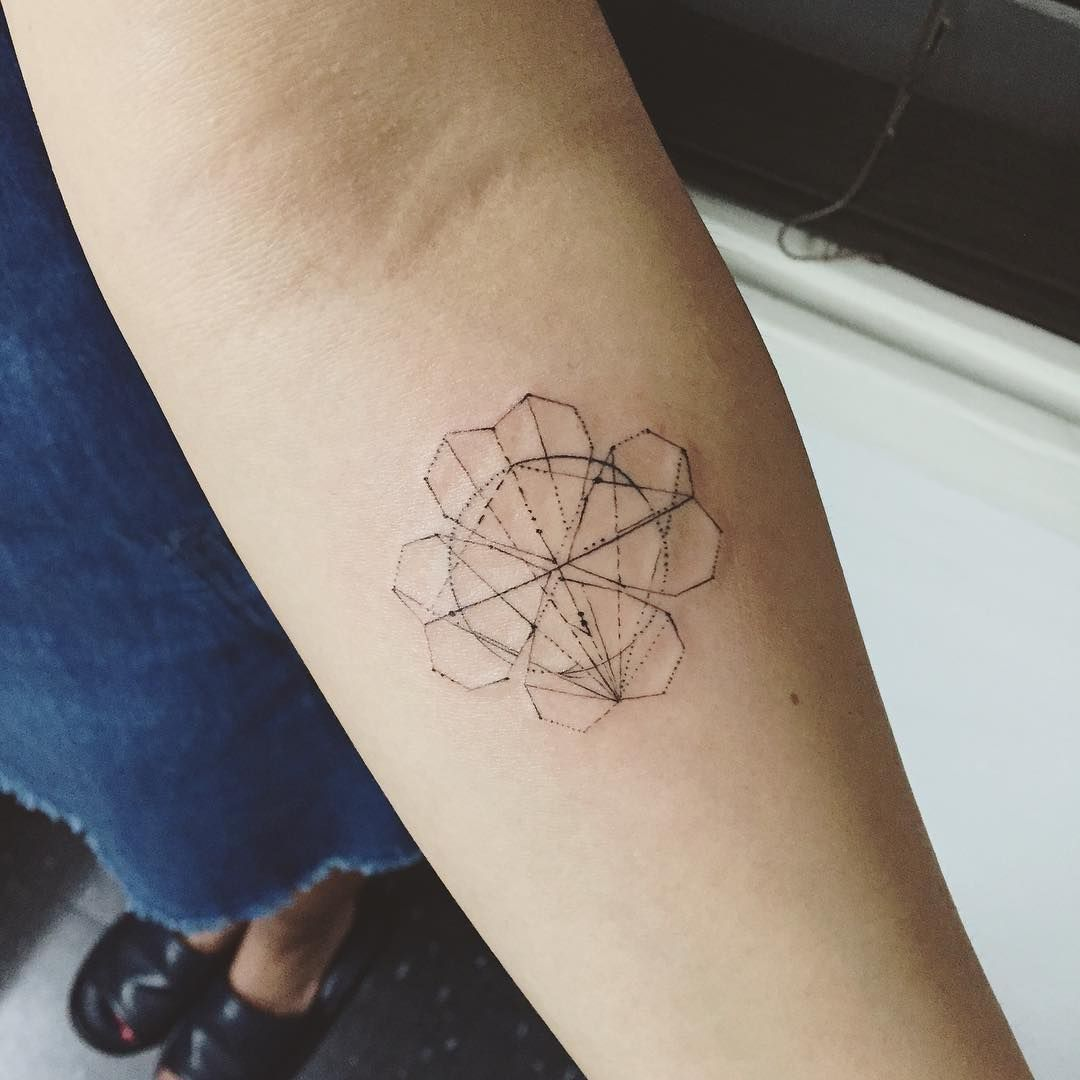 clover geometry clovertattoo geometrytattoo linetattoo clover geometry clovertattoo geometrytattoo linetattoo tattoo tattoos ink