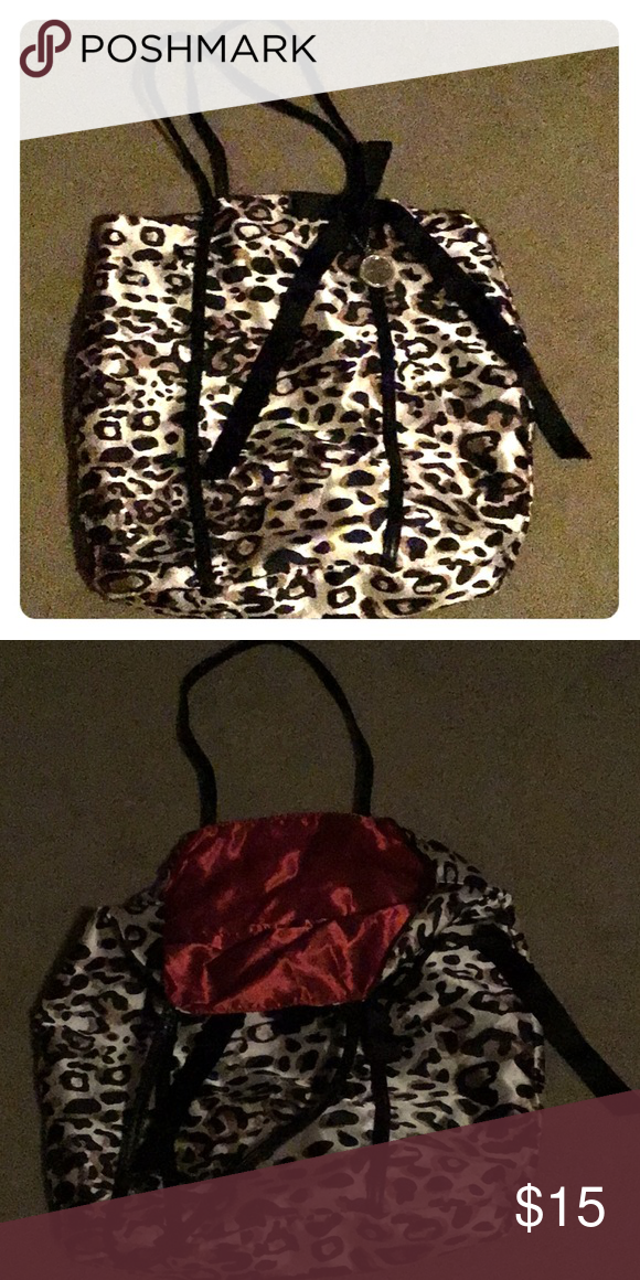 Chico Bag Excellent Condition Chico S Bags Shoulder Bags Chico