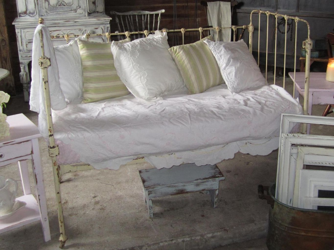 Iron crib for sale craigslist - Antique Iron Crib Turned Daybed Includes Mattress All 4 Sides Of The Crib And
