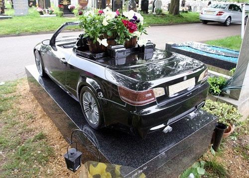 Unusual Headstones This Headstone Of A Bmw Cost More Than