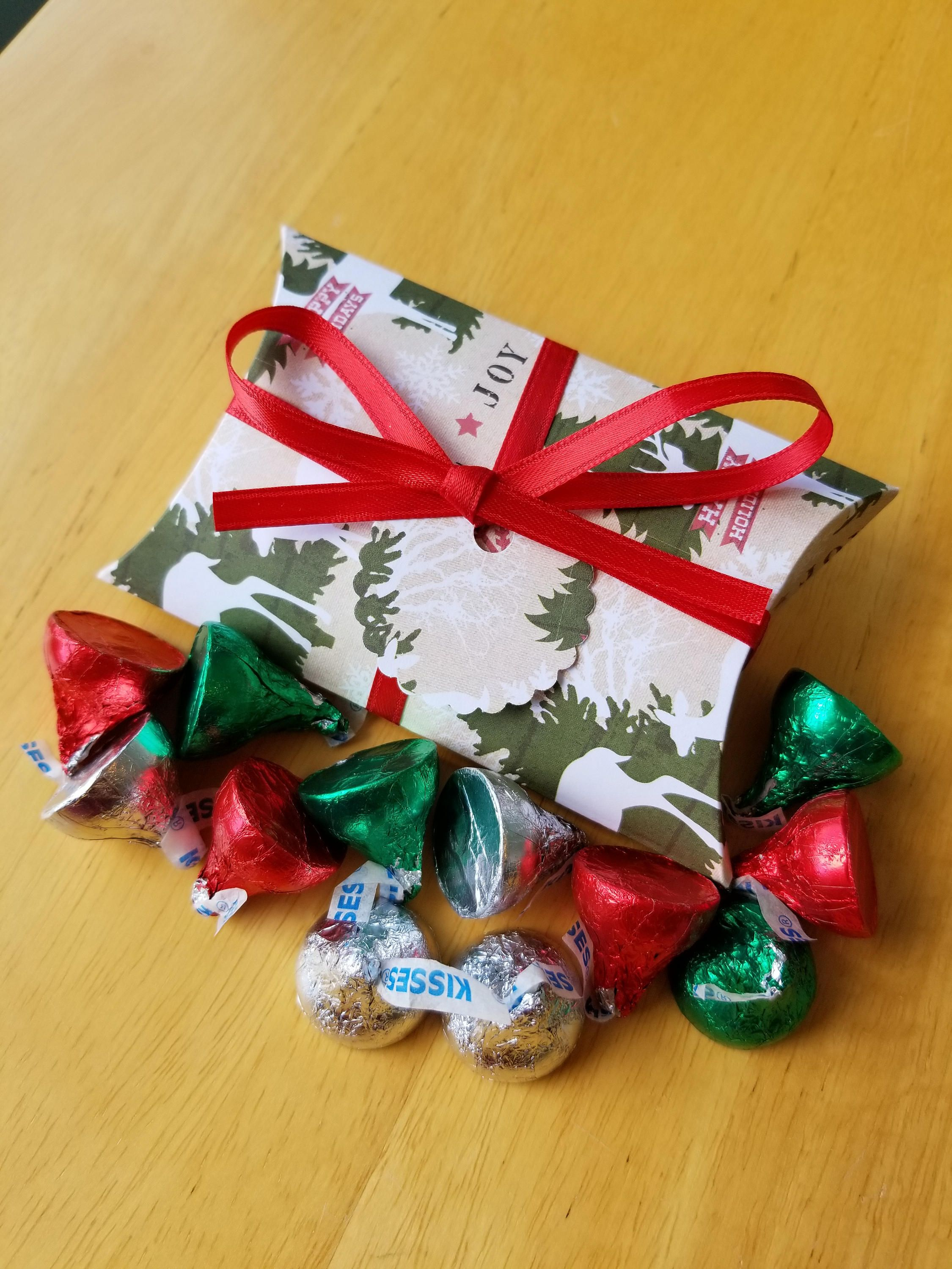 10 christmas pillow boxes set of 10 party favors