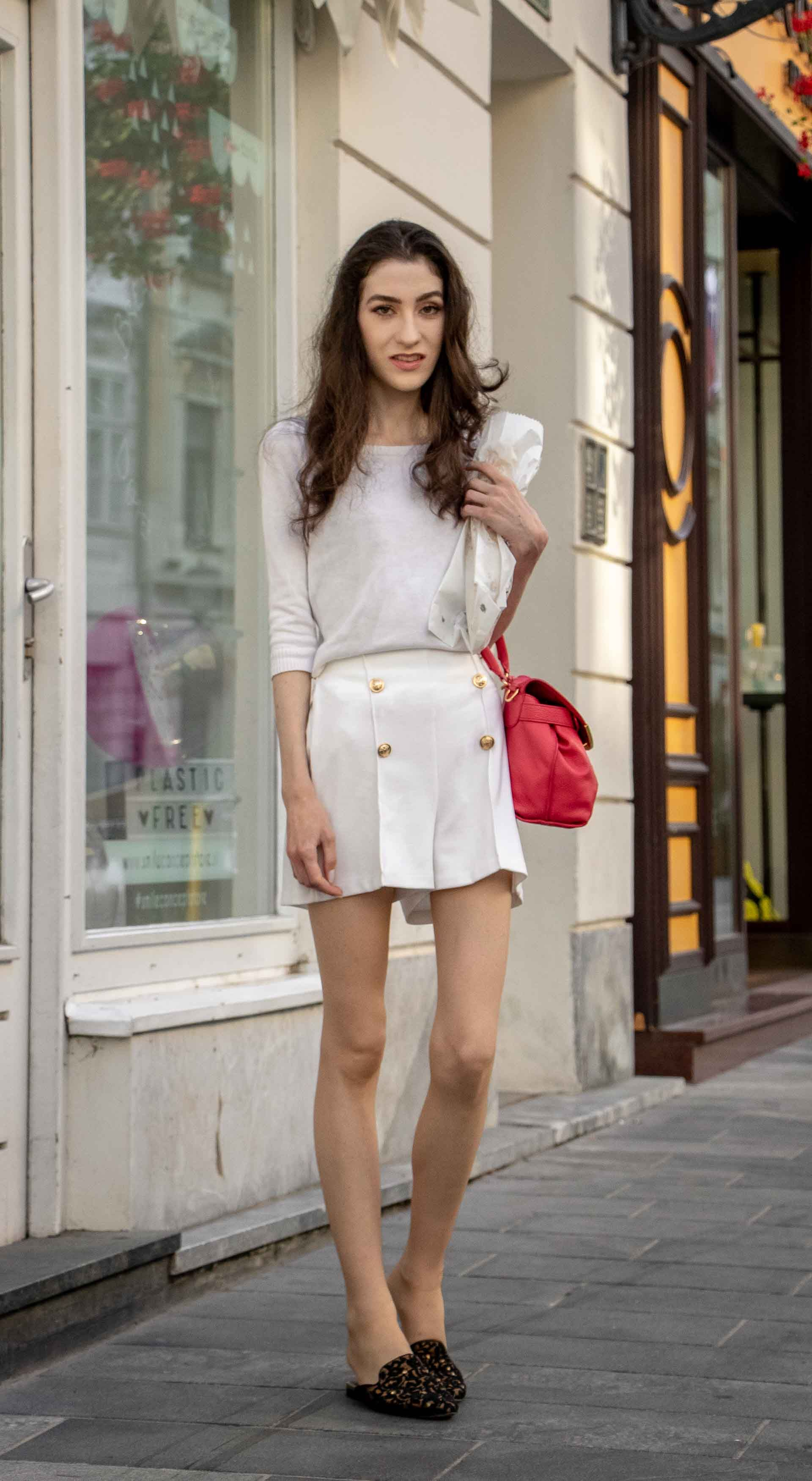 c6831d6ccc8d Beautiful Slovenian Fashion Blogger Veronika Lipar of Brunette from Wall  wearing all in white outfit