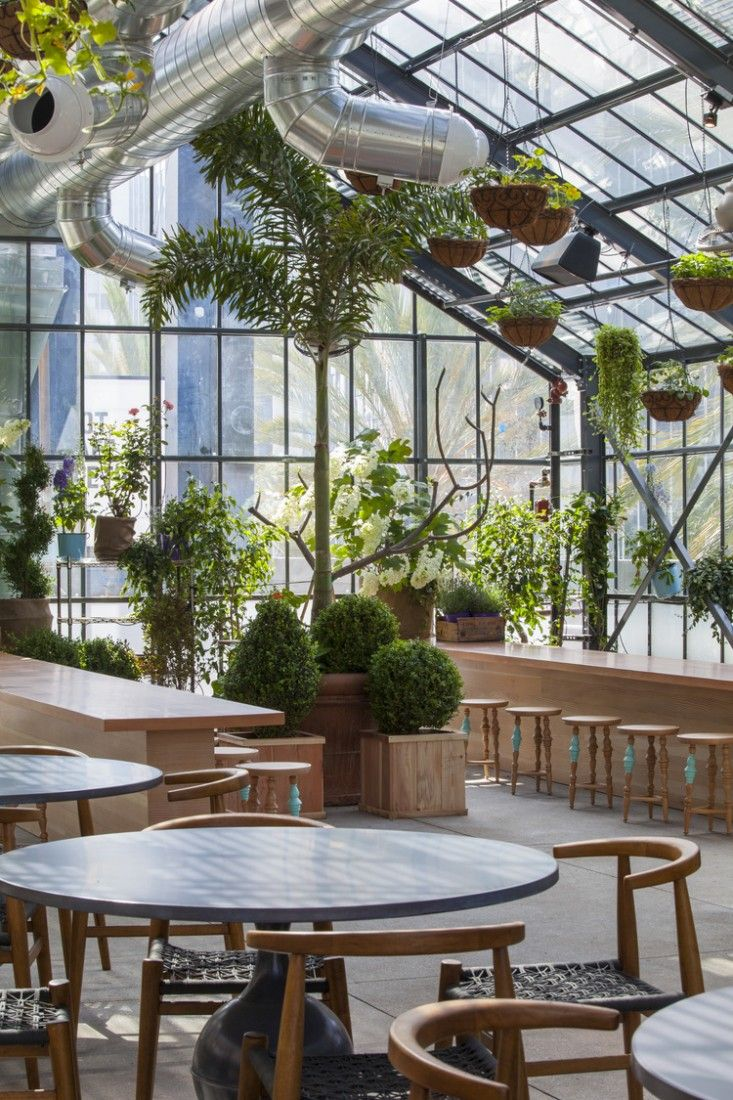 Restaurant Visit Roy Choi's Commissary, Inside a