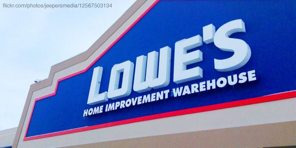 Lowe S Fix In Six Vine Campaign Wins O Toolebox Advertising Award Home Improvement Advertising Awards Beach House Plans