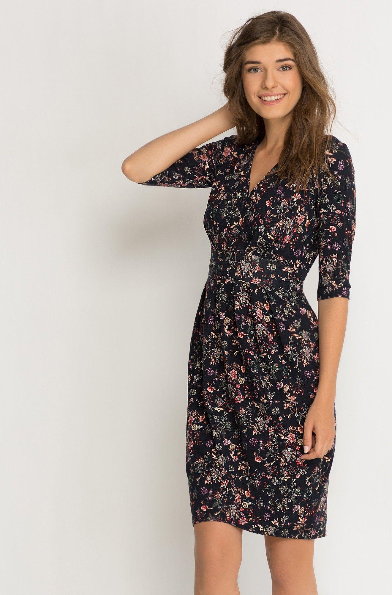 ec53b955cf1 Květované šaty s překřížením a