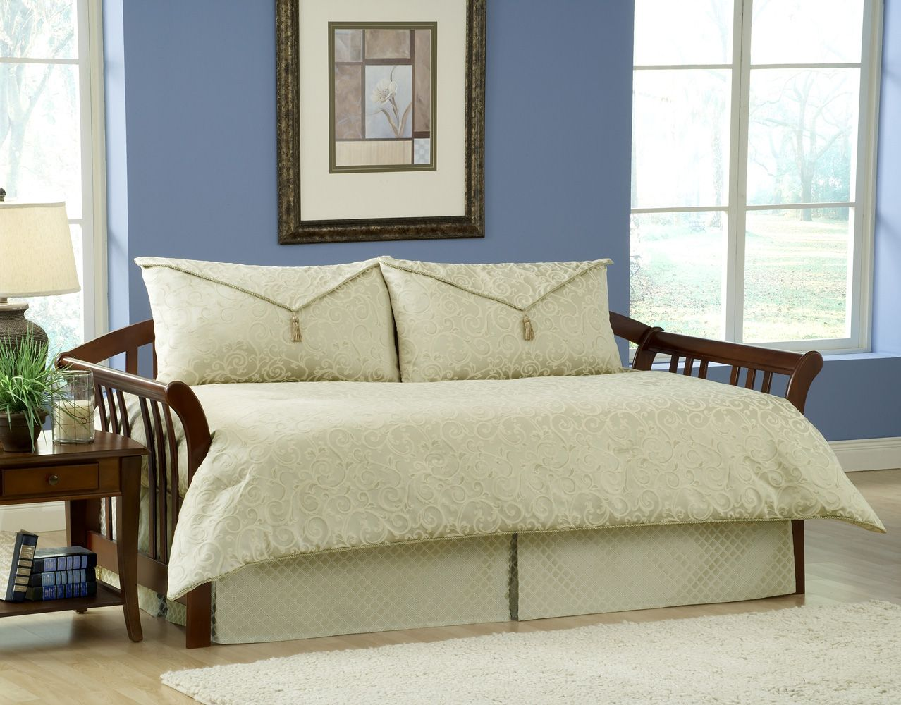 Paramount Impressions Daybed Ensemble A Touch Of Class For A