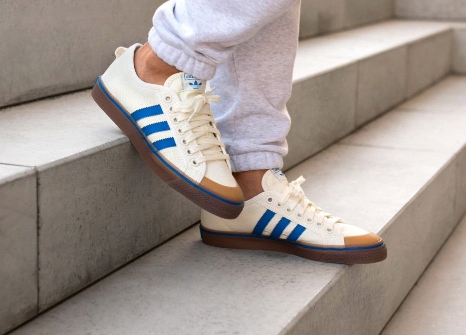 2992e0d72 adidas Nizza (Off White / Blue / Gum) in 2019 | adidas | Adidas ...