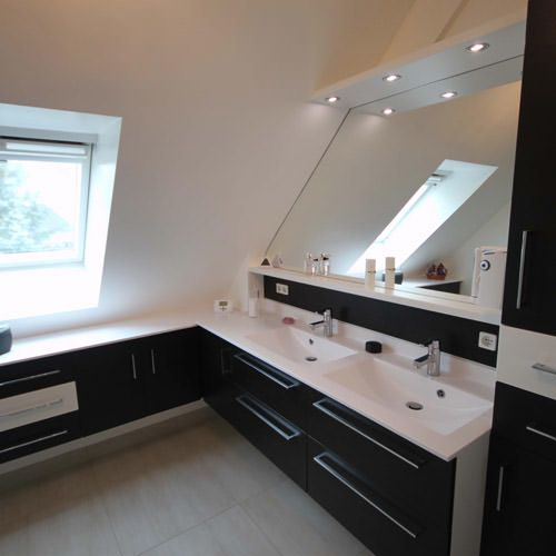 salle de bain sur mesure sous pente bathroom pinterest decoration lofts and house. Black Bedroom Furniture Sets. Home Design Ideas