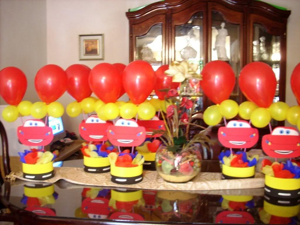 Fiesta cars ayuda fiesta cars pinterest ayudar - Decorar cumpleanos infantil ...