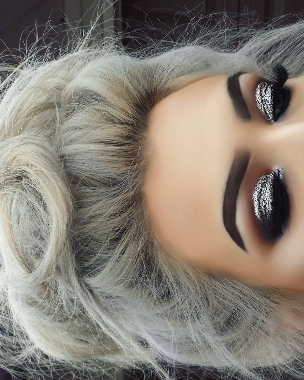 Christmas Makeup Looks - Latest Trends 2018 #glittereyemakeup