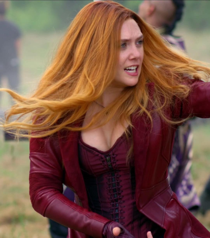 Elizabeth Olsen On Set Infinity War Scarlet Witch Infinity War Marvel Mcu Aveng Elizabeth Olsen Scarlet Witch Scarlet Witch Marvel Elizabeth Olsen