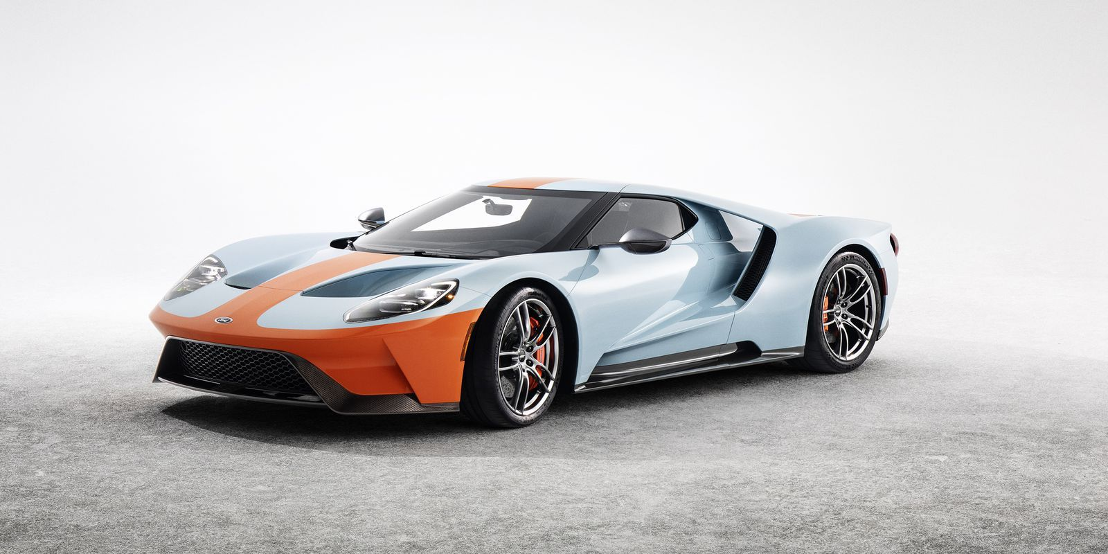 The 2019 Ford Gt Heritage Edition Is An Exquisite Gulf Liveried Tribute Ford Gt Ford Gt Gulf Ford Gt40