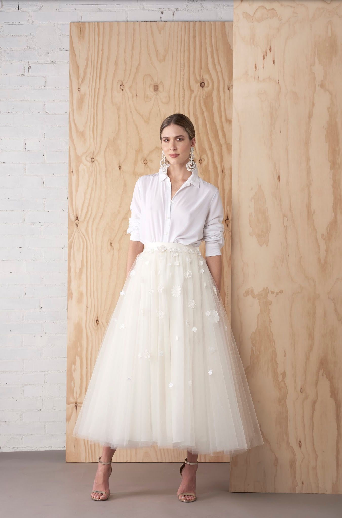 New Ways To Say I Do Bridal Modern Tulle White Tulle Skirt Outfit Tulle Skirts Outfit Wedding Dress Suit [ 2048 x 1351 Pixel ]