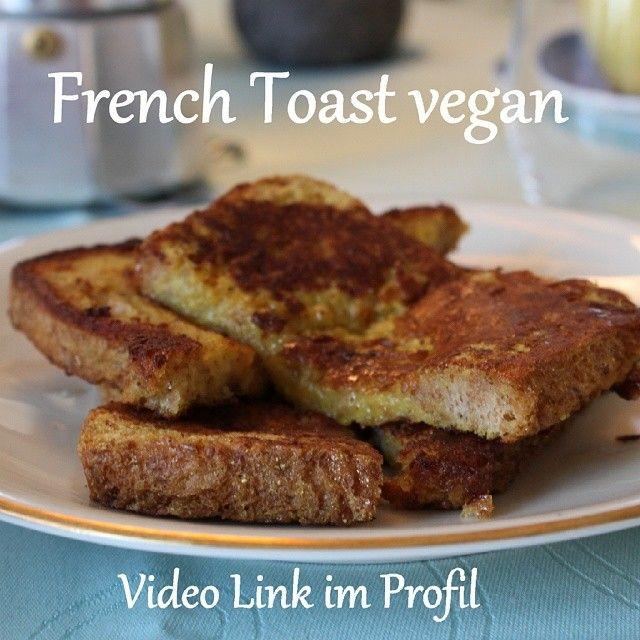 Hmm... Lecker French Toast! Den Video-Link findet ihr im Profil. Das Feuerrot gibt es auf meinem Blog cleanfoodlover.wordpress.com Schaut doch mal vorbei! :-) #veganeats #veganfoodshare #veganlifestyle #vegangermany #vegan #veganfood #frenchtoast #veganre