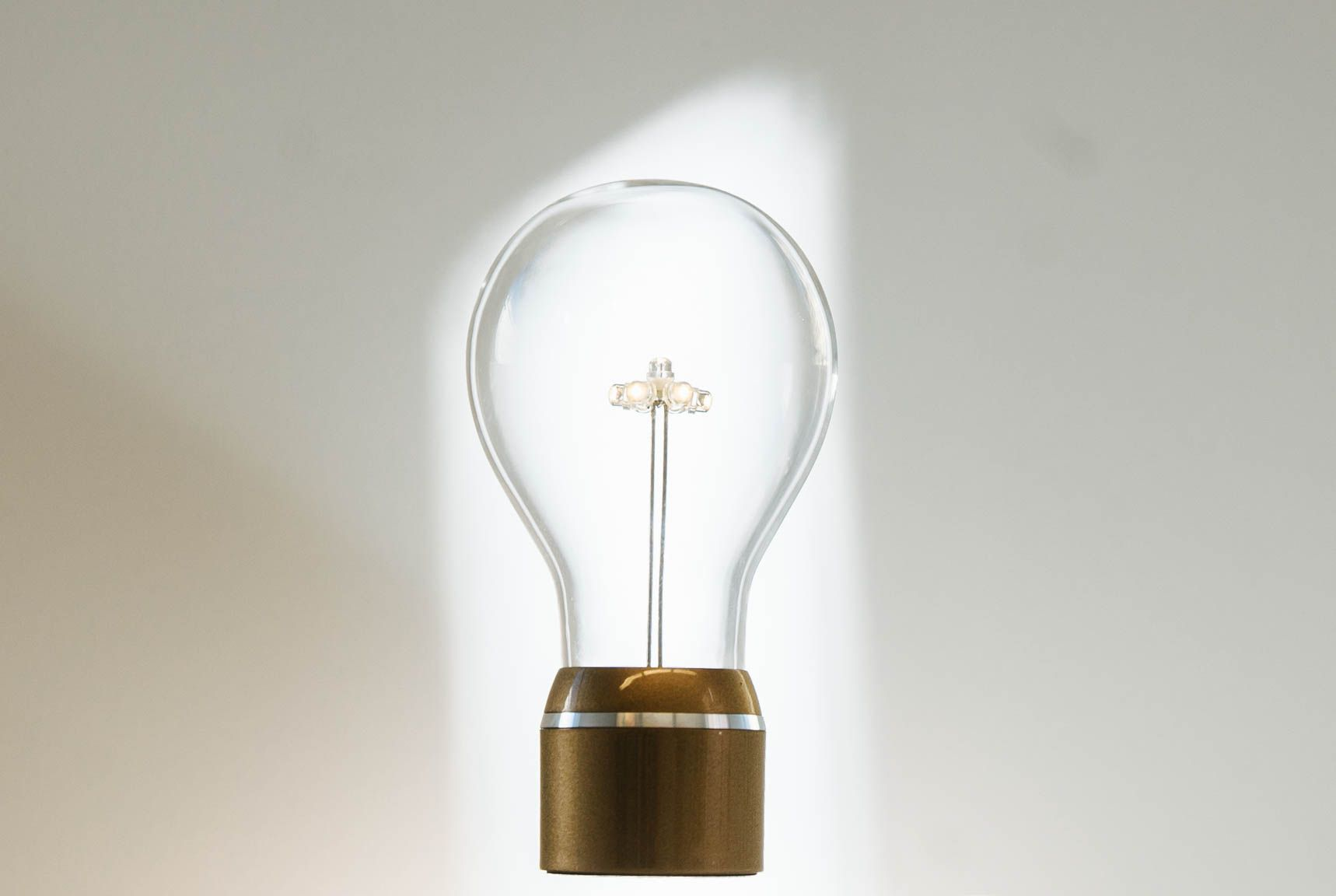 The Shadows Are Aligning Perfectly Behind Flyte The Levitating Ligh Bulb Bulb Light Bulb Levitation