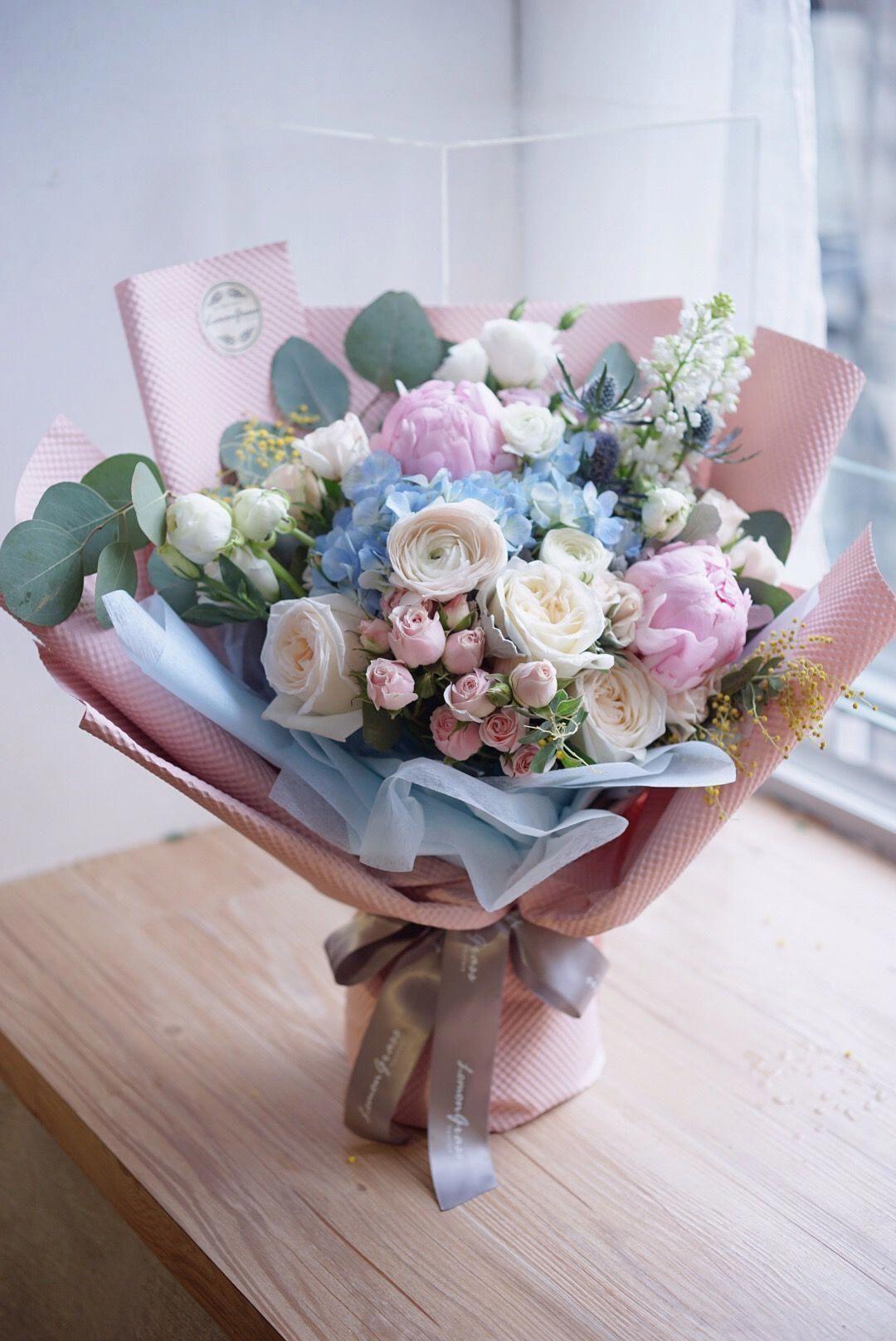 Discovered by ♡ N ι c σ ℓ є ♡. Find images and videos about flowers, pastel  an… | Birthday flowers bouquet, Luxury flower arrangement, Birthday flowers  arrangements