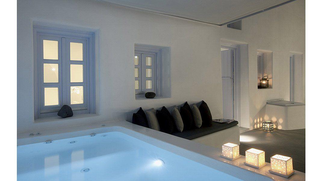 Die mittelmeer santorini villa anemolia ist eine for Design hotels mittelmeer