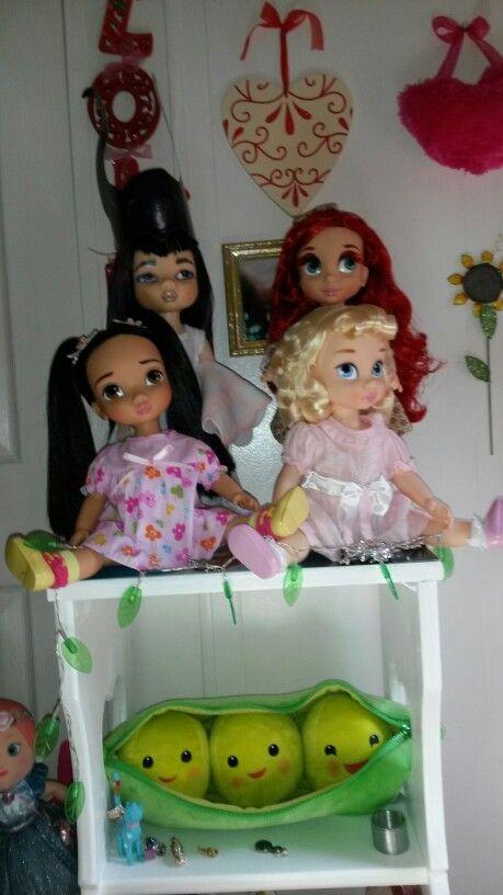 Disney Animator Dolls Spooky Mulan,  Mardi Gras Eyes Ariel, Pocahontas and Cinderella.