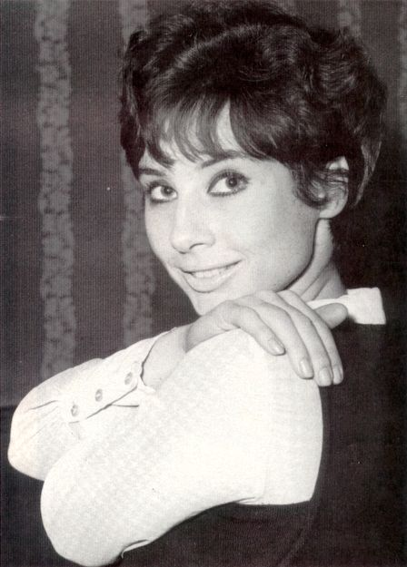 10x8  PHOTO  SIGNED. DR WHO CAROLE ANN FORD 4