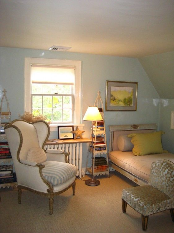 Study and guest room at Bee Cottage