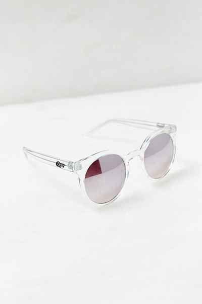 5779e8e4e2207 Quay Kosha Sunglasses - Urban Outfitters