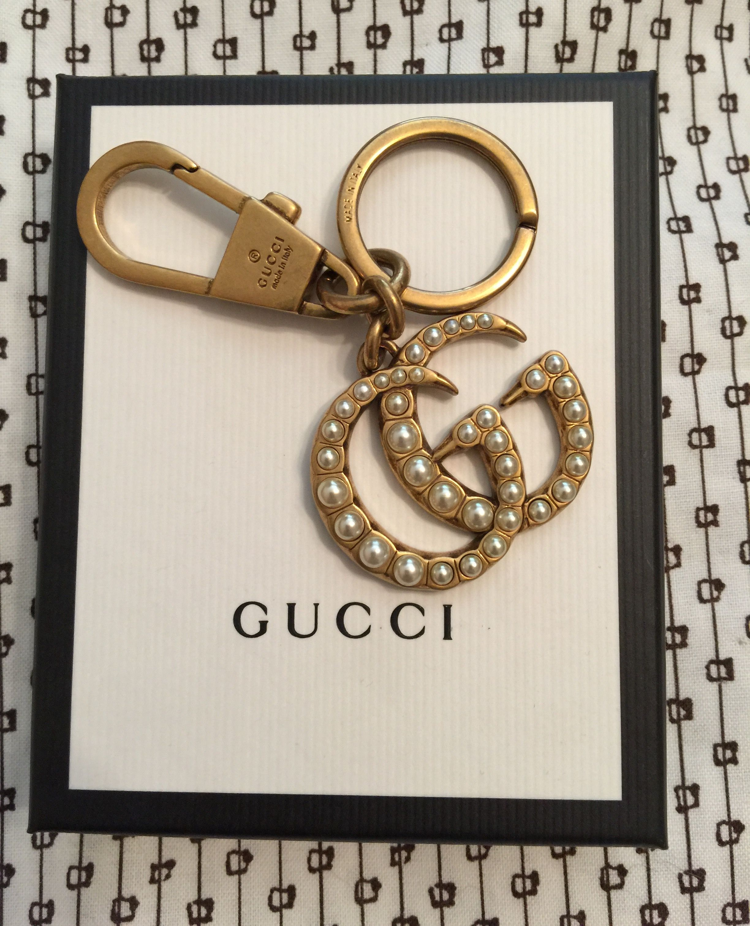Gucci 2017 double g keychain with pearls in antique gold