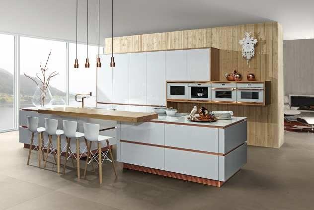 Küche mit Sitztheke Typ Horizon - Riva mit Kupfer