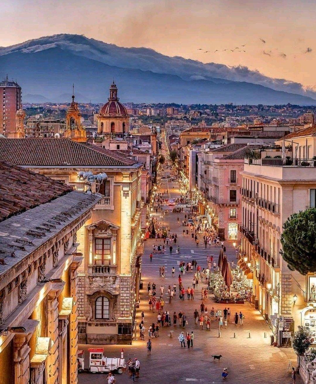 Catania (Sicilia) | Luoghi meravigliosi, Viaggiare in europa ...