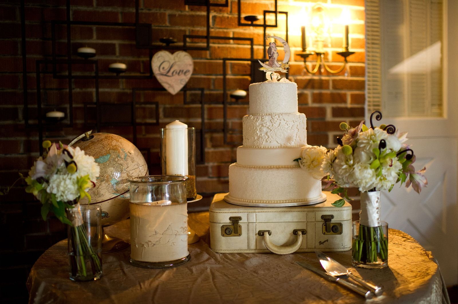 Awesome Flea Market Vintage Cake Display Wedding Cake Display Wedding Cakes Vintage Lace Wedding Cake