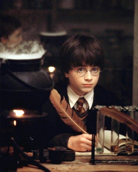 How Well Do You Actually Remember The First Harry Potter Film Daniel Radcliffe Harry Potter Harry James Potter Harry Potter Film