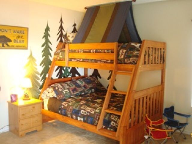 c&ing room - We even want to do a twin over full bed! & tent bed @Laura Menning The boys would love this!! they still have ...