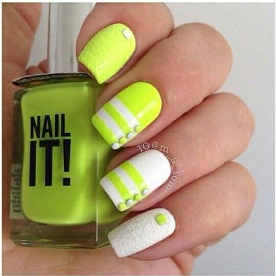 Loving this neon design. #iinailsart