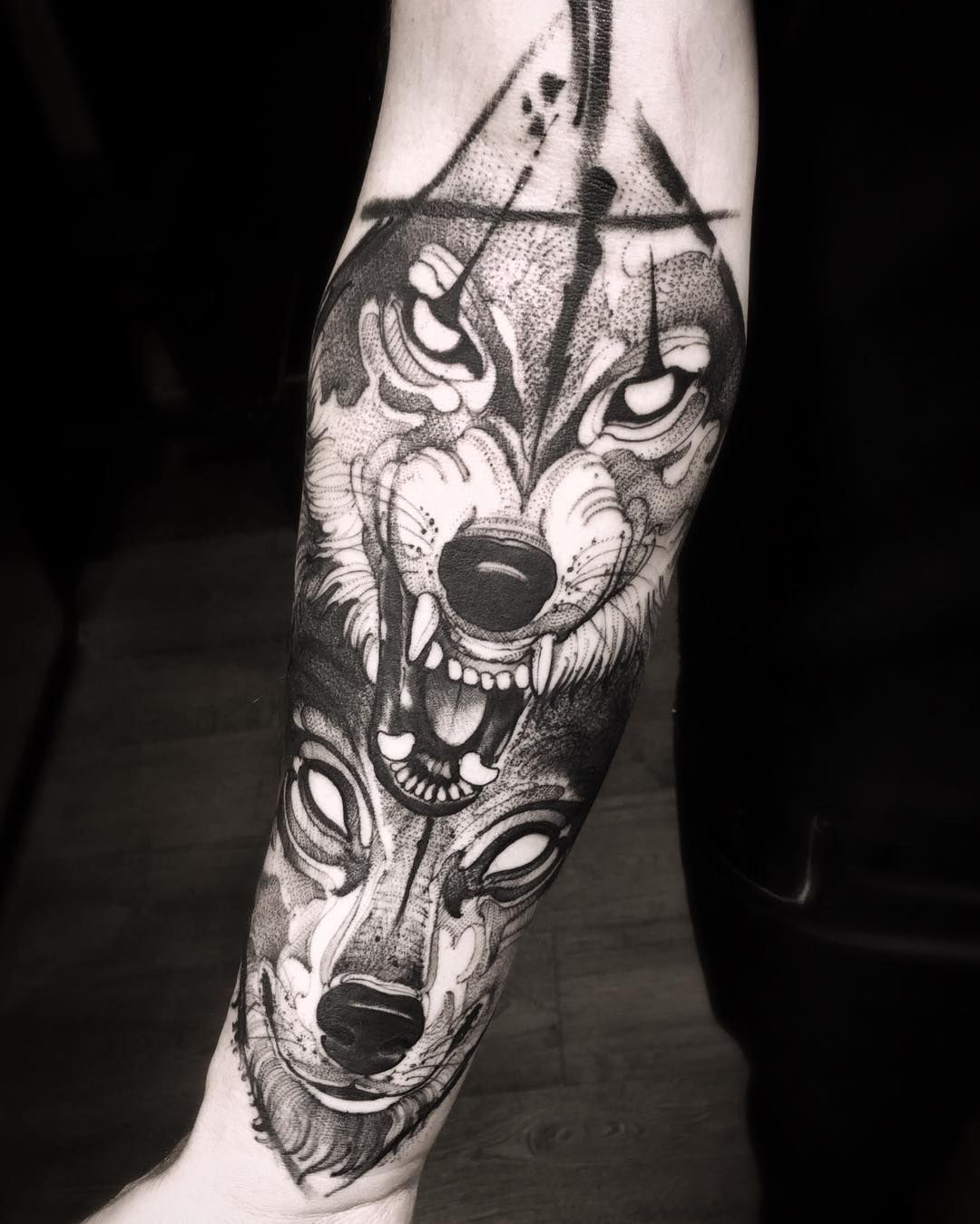 40 best wolf head tattoo designs and ideas 2018 wolf. Black Bedroom Furniture Sets. Home Design Ideas