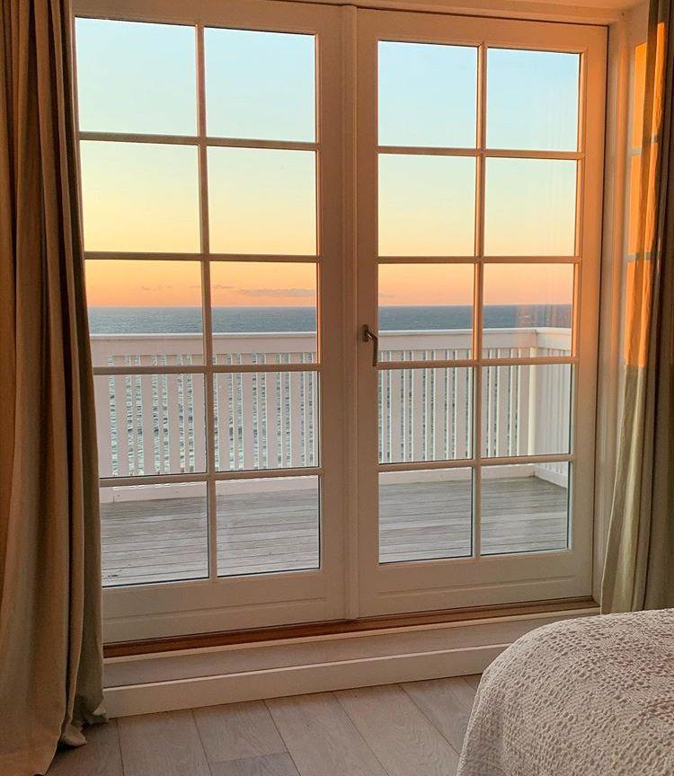 Pin By Fabi Stw On Vainilla Latte In 2020 Instagram Windows Views Ain wooden window room window