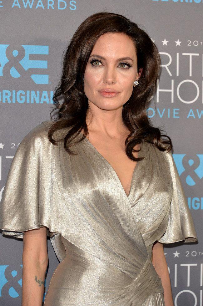Critic's Choice Awards 2015 - Angelina Jolie de Versace