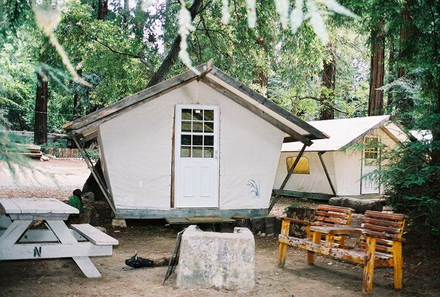 Charmant Front Of Tent Cabin Overlooks Big Sur River