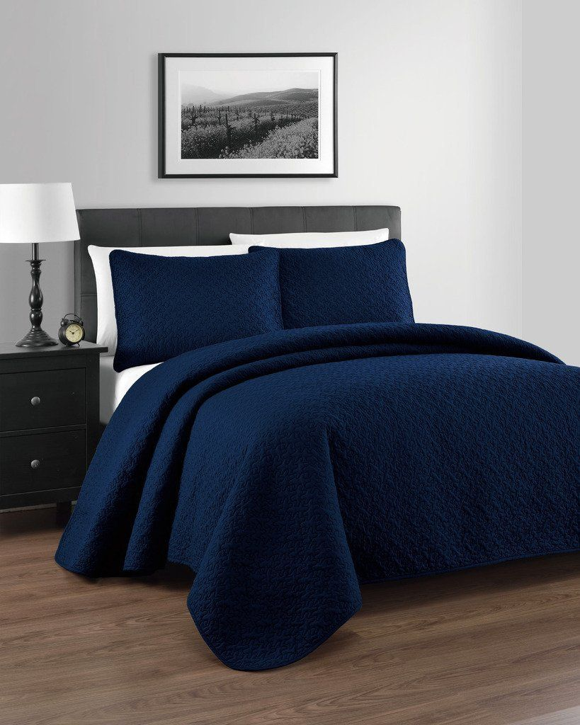 Best Blue Quilts and Coverlets | Linen shop, Linens and Bedrooms : navy blue quilt - Adamdwight.com
