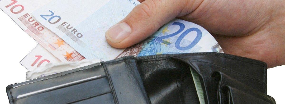 42-jähriger Asylbewerber war in der Bahn unterwegs und gab das Portemonnaie ab. Eigentümer hat sich bislang noch nicht beim Fundbüro gemeldet.
