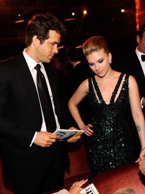 Why Scarlett Johansson And Ryan Reynolds Called It Quits Celebrity Divorce Celebrity Couples Scarlett Johansson