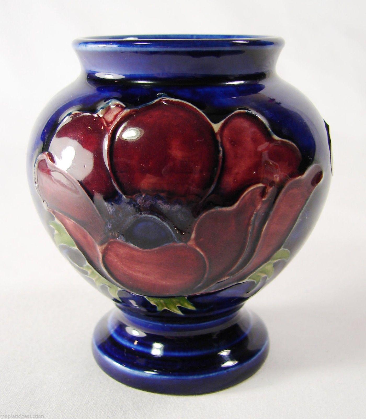 Beautiful vintage walter moorcroft pottery anemone vase cobalt beautiful vintage walter moorcroft pottery anemone vase cobalt blue 3 5 ebay reviewsmspy