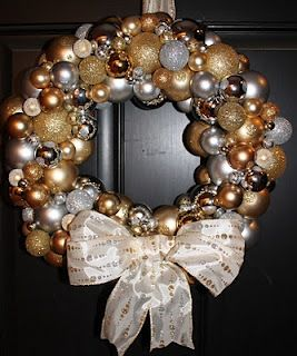Christmas Ornament Wreath  lots of wreaths on here, love so many    teach. craft. love.: Wreaths