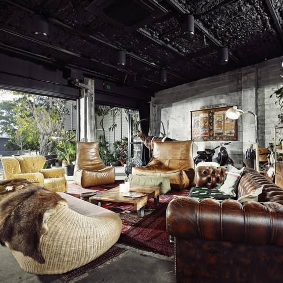 Ventanal Sala Rustica Muebles Cuero Interior Design Living