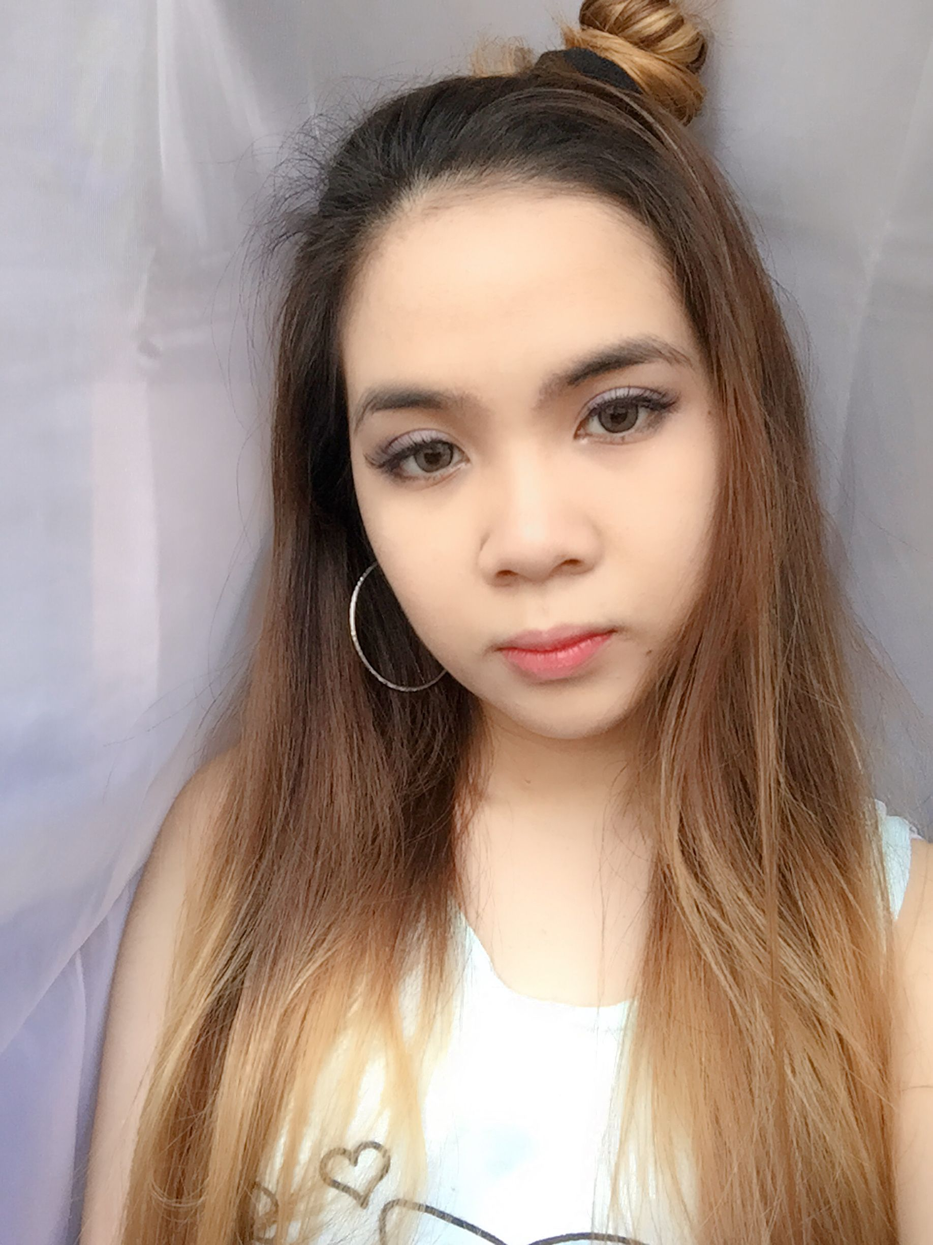 Ombre hair blonde grey eyes cute asian ulzzang in ombre