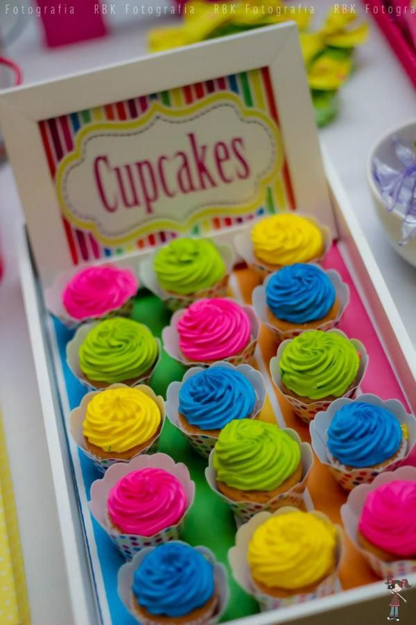 Cupcake com tema de Katy Perry                                                                                                                                                                                 Más