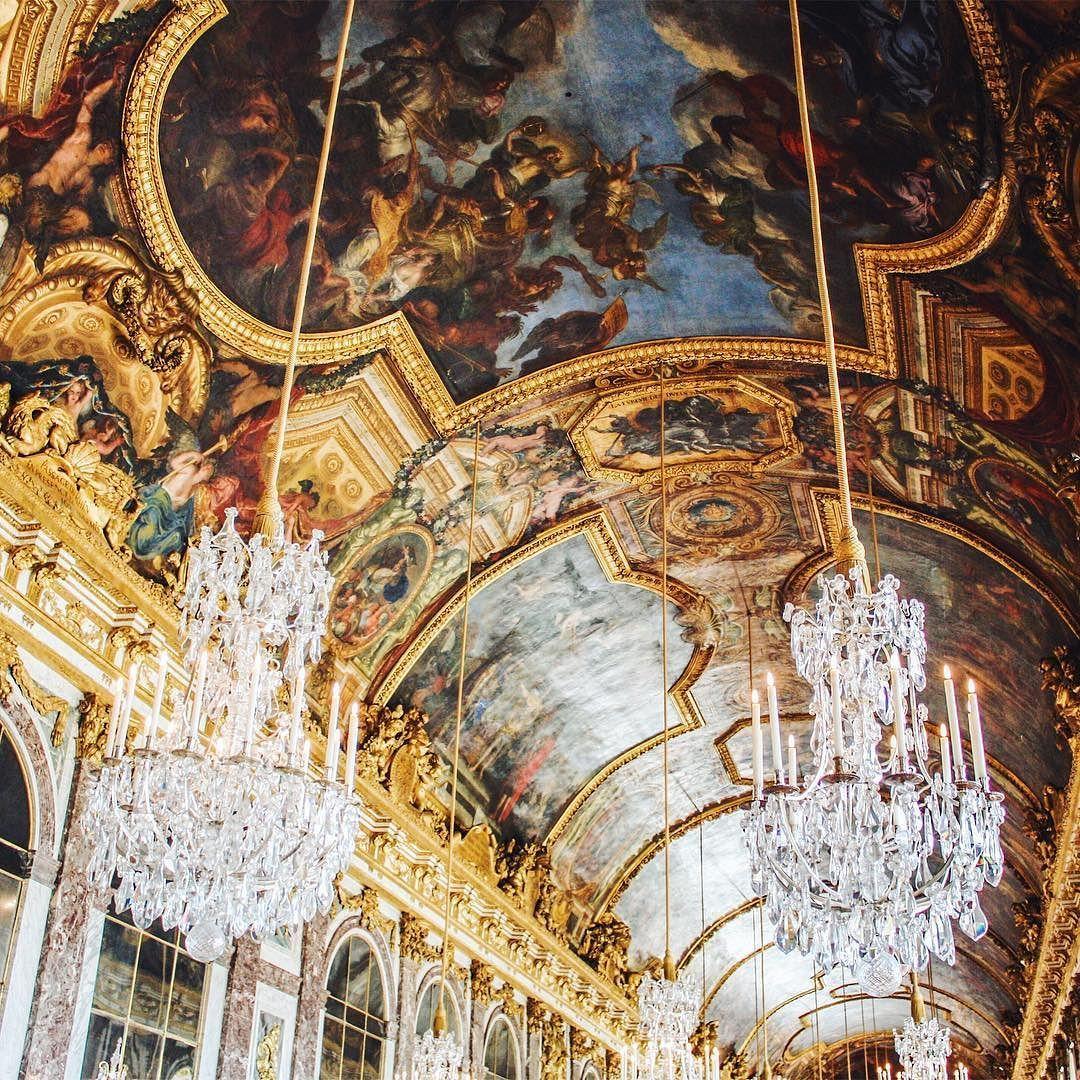 The absolutely amazing Hall of Mirrors in #Versailles   #versaillespalace #hallofmirrors #art #castle #palace #parisjetaime #igersparis #paris #france #igersfrance #latergram #travelblogger #jaimelafrance #travel #bestdiscovery #passionpassport #voyage #travelphotography #travelgram #europe #lonelyplanet #wanderlust #exploremore #neverstopexploring #exploreeverything #travelawesome