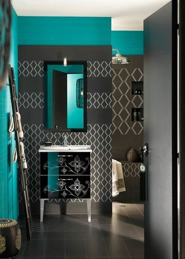 Black and blue wall decor for small bathroom | Bathroom Decor ...
